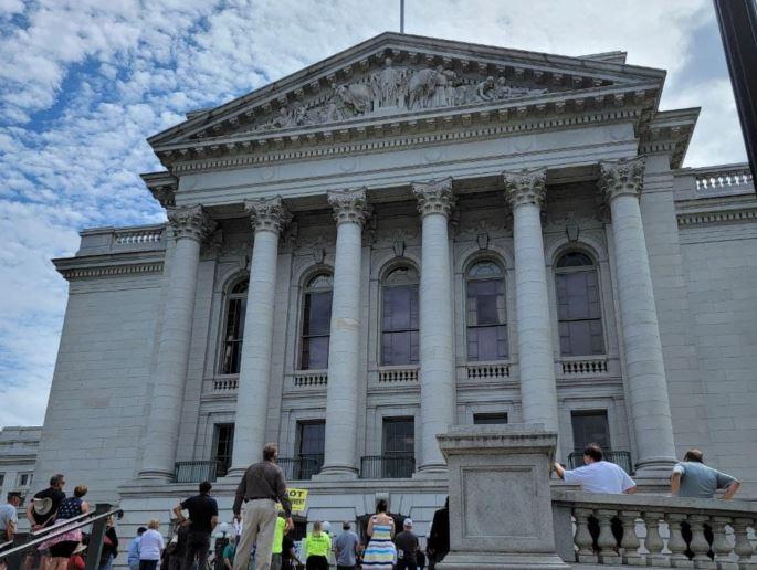 Bills in Wisconsin Senate Would Change Election Law
